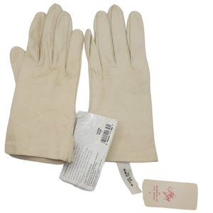 NWT Cream Leather Aris Gloves Size 7 Silk Lining